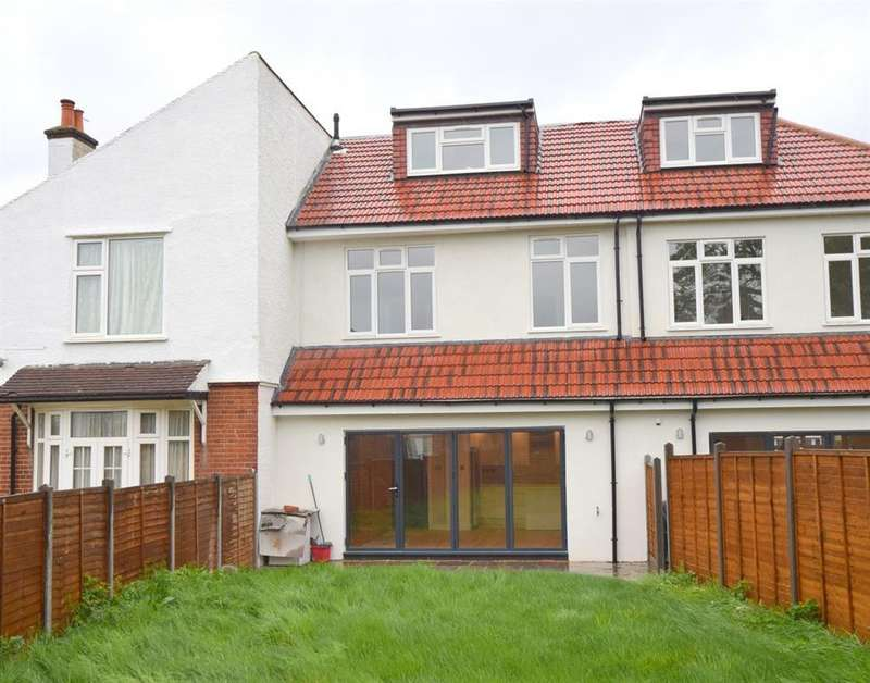 5 Bedrooms Terraced House for sale in Malden Road, Cheam, SM3 8QY