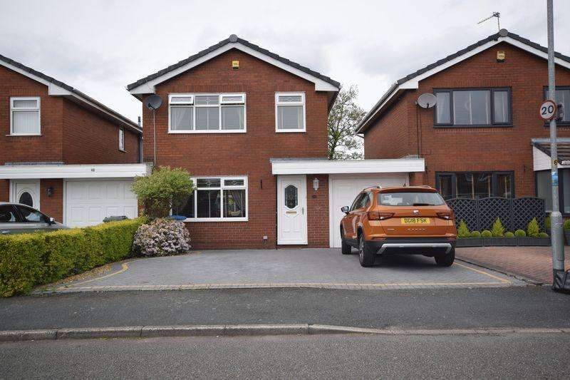 3 Bedrooms Detached House for sale in Shaftesbury Drive, Heywood