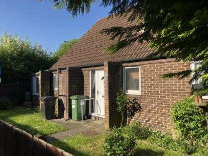 5 Bedrooms Bungalow for sale in Arncliffe Drive, Heelands, Milton Keynes