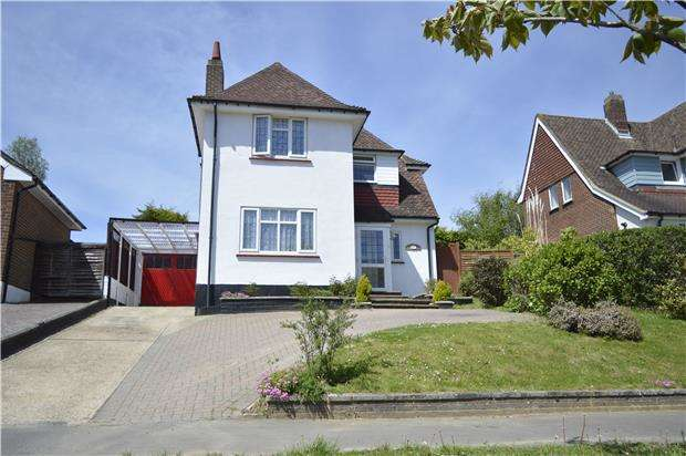 3 Bedrooms Detached House for sale in Ironlatch Avenue, ST LEONARDS-ON-SEA, East Sussex, TN38 9JN