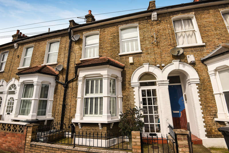 3 Bedrooms Terraced House for sale in Alloa Road, Deptford