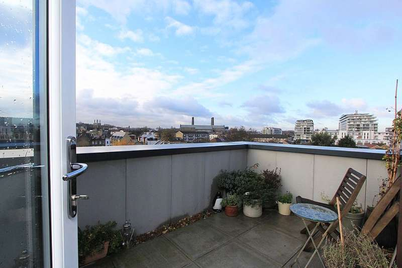 2 Bedrooms Apartment Flat for sale in Commerell Street, Greenwich, London, SE10