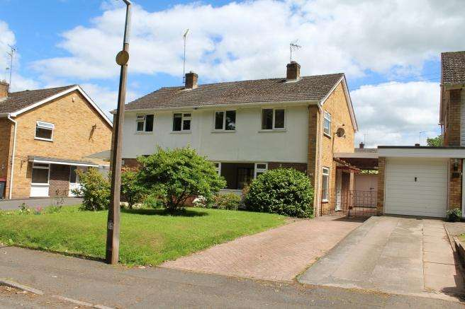 3 Bedrooms Semi Detached House for rent in 14 Greenvale, Church Aston, Newport, Shropshire, TF10 9JD