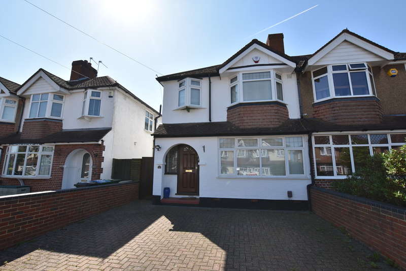 3 Bedrooms Semi Detached House for sale in Hillingdon Road, Garston Watford