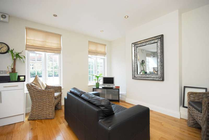 2 Bedrooms Flat for sale in Colston Road, East Sheen, SW14