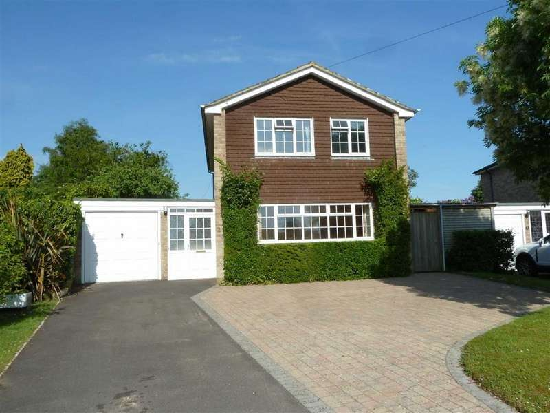 4 Bedrooms Detached House for sale in Bramley Crescent, Sonning Common, Sonning Common Reading