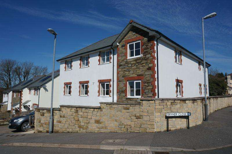 2 Bedrooms Apartment Flat for sale in Bryher Close, Callington