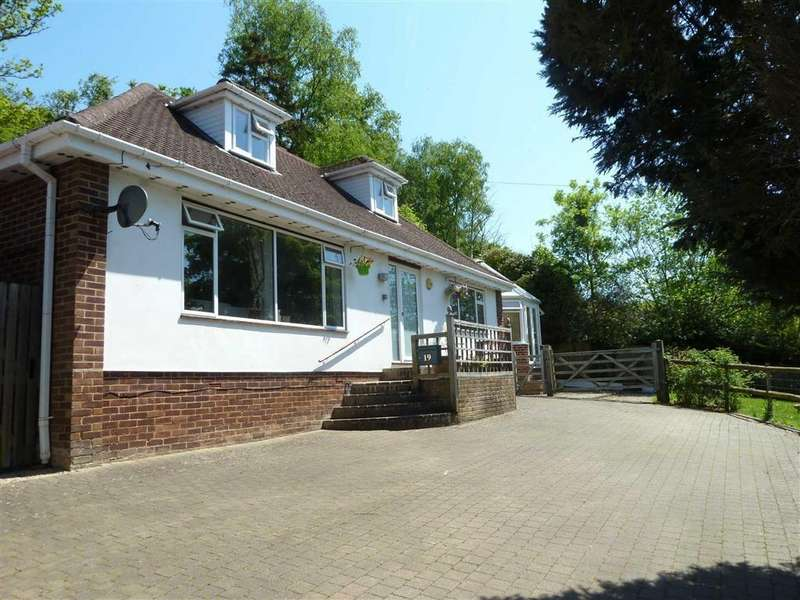 4 Bedrooms Chalet House for sale in Peppard Road, Sonning Common, Sonning Common Reading