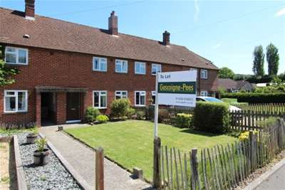 2 Bedrooms Terraced House for rent in The Croft, Midhurst, GU29 0HQ