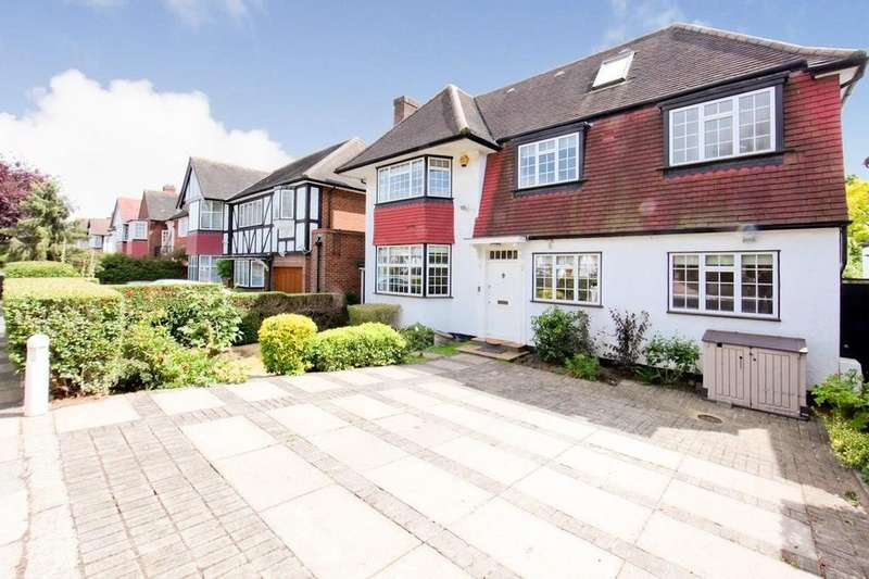 6 Bedrooms Detached House for rent in Beaufort Road, London