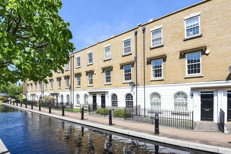 3 Bedrooms Terraced House for sale in Waterside Avenue, Beckenham