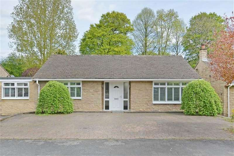 3 Bedrooms Detached House for sale in 15, Wyedale Crescent, Bakewell, Derbyshire, DE45