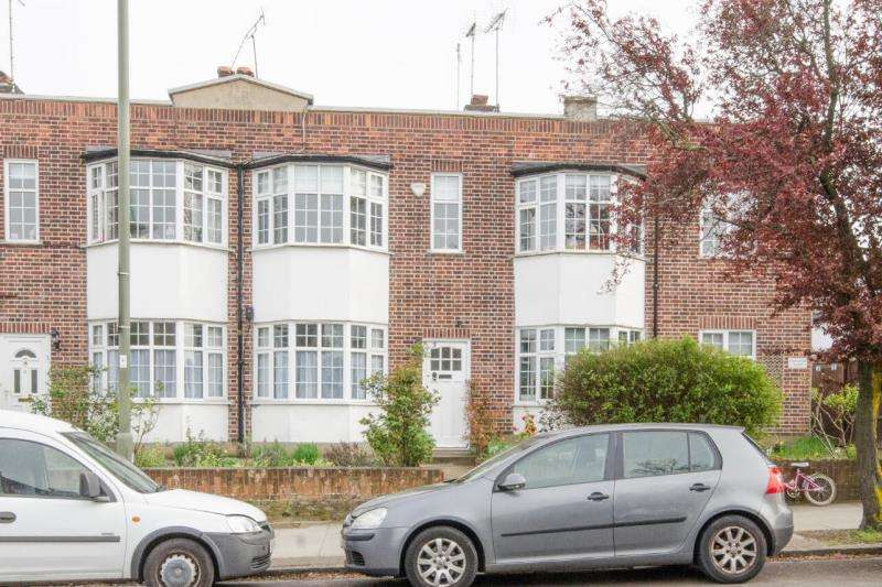 2 Bedrooms Maisonette Flat for sale in Creighton Court, Creighton Ave, N2