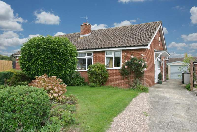 2 Bedrooms Bungalow for sale in Oakley, Buckinghamshire