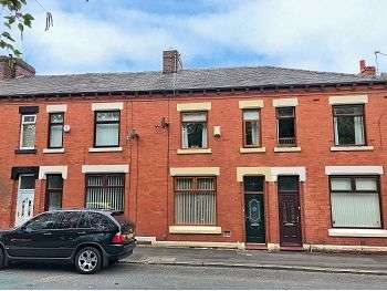 3 Bedrooms Terraced House for sale in Watersheddings Street, Oldham, OL4 2PA