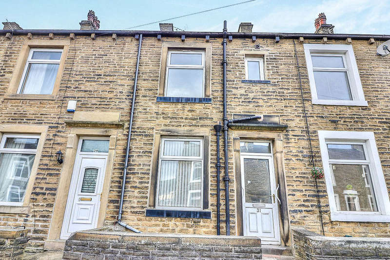 3 Bedrooms Terraced House for rent in Kliffen Place, Halifax, HX3