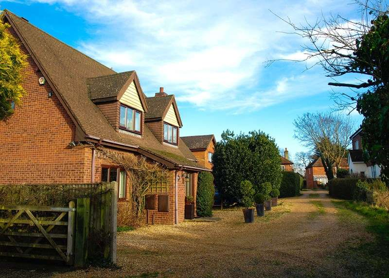 4 Bedrooms Detached House for sale in Catisfield Lane, Fareham