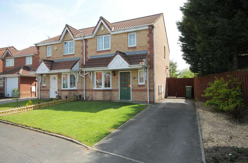 3 Bedrooms Semi Detached House for sale in Seathwaite Road, Farnworth, Bolton, BL4 0QY