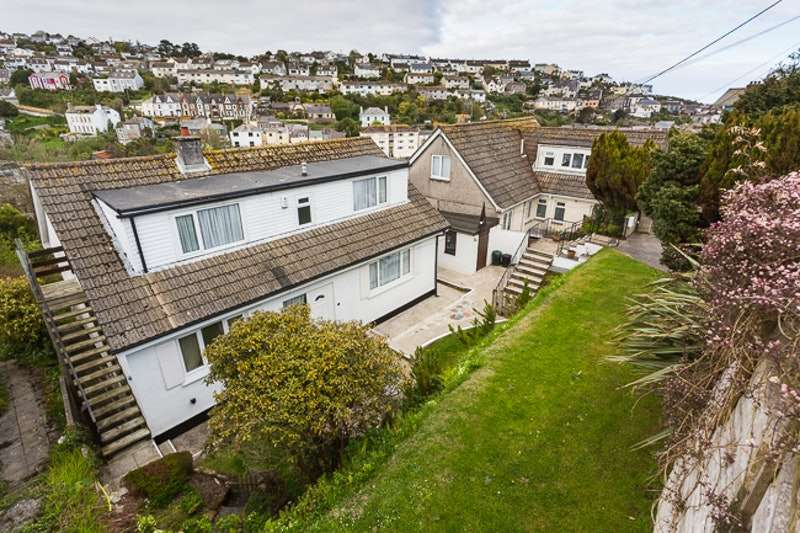 4 Bedrooms Detached House for sale in Trevarth, St. Austell, Cornwall, PL26