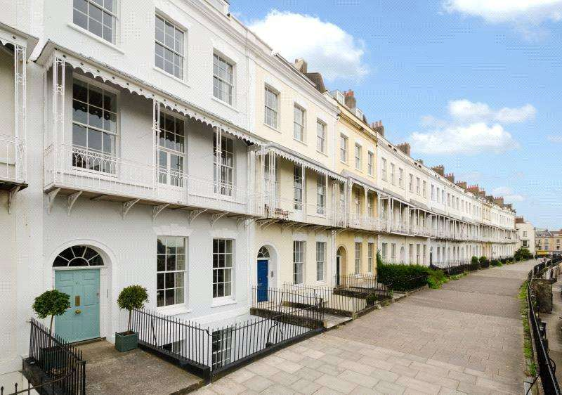 3 Bedrooms Maisonette Flat for sale in Royal York Crescent, Clifton, Bristol, BS8