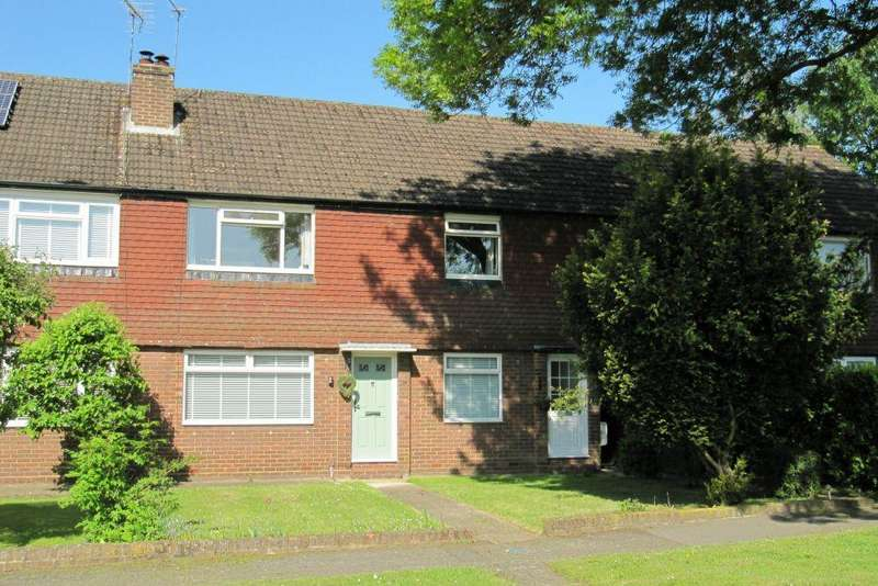 2 Bedrooms Maisonette Flat for sale in Pinewood Green Iver Heath SL0 0QQ