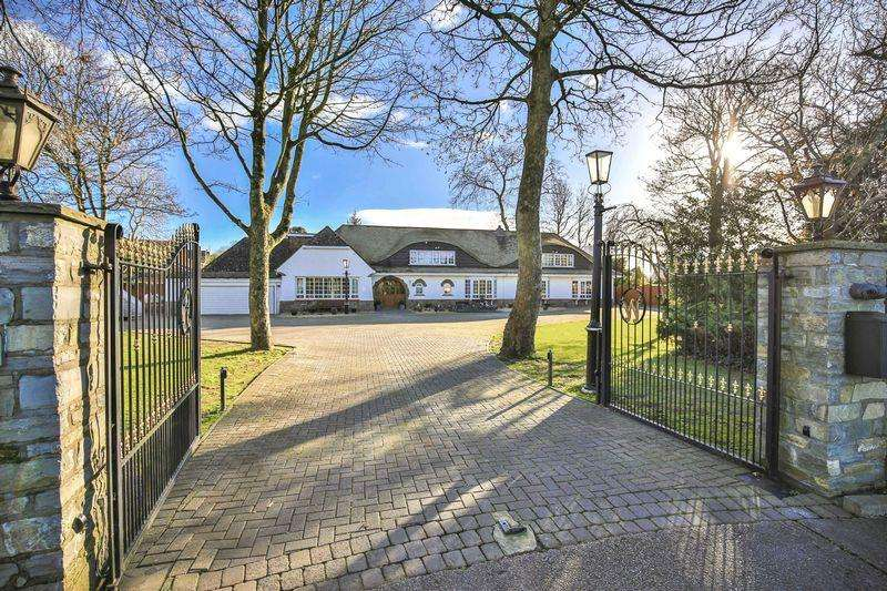 4 Bedrooms Detached House for sale in Rookery Wood, Sully, Penarth