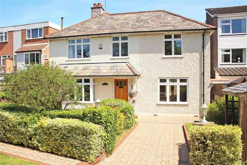 4 Bedrooms Detached House for sale in Bull Stag Green, Hatfield, Hertfordshire