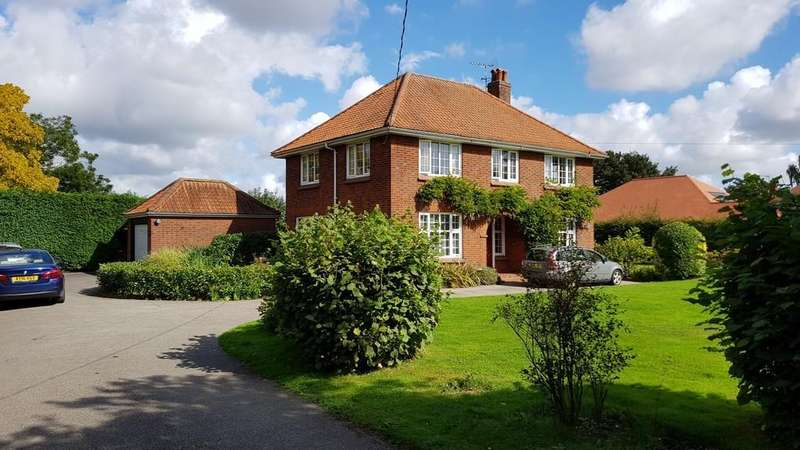 4 Bedrooms Detached House for sale in Thurmans Lane, Trimley St. Mary