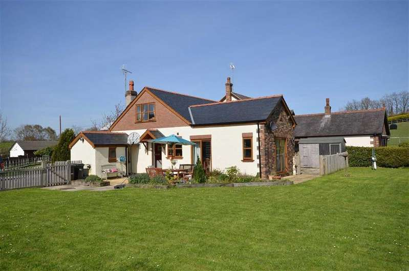 3 Bedrooms Detached House for sale in Tir Y Fron Lane, Pontybodkin, Mold