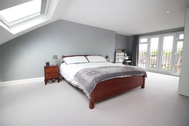 4 Bedrooms End Of Terrace House for sale in Clevedon Road, Penge, London