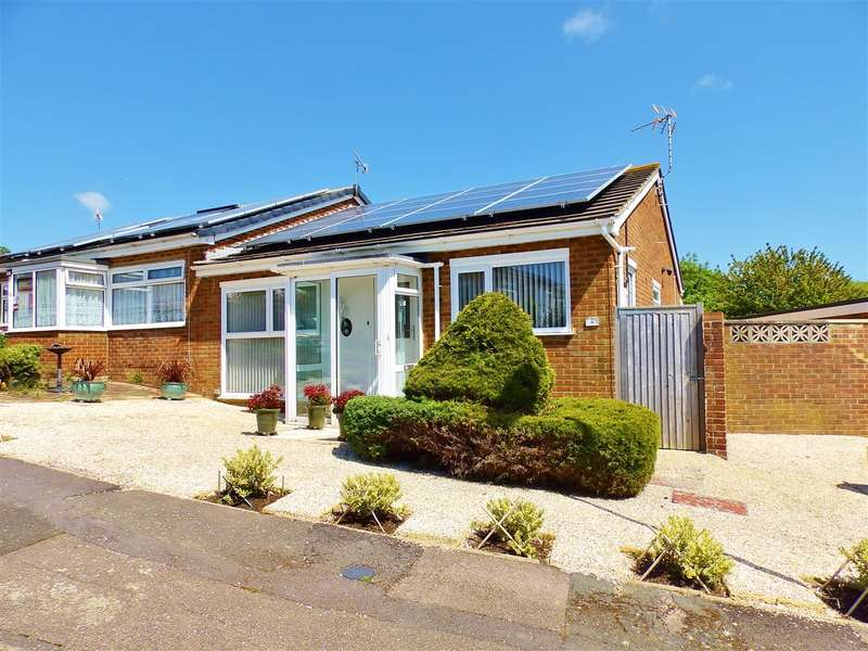 2 Bedrooms Bungalow for sale in Jay Close, Eastbourne