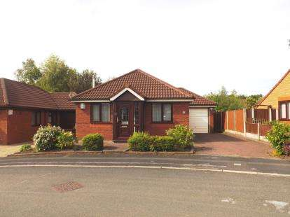 2 Bedrooms Bungalow for sale in Weddell Close, Old Hall, Warrington, Cheshire