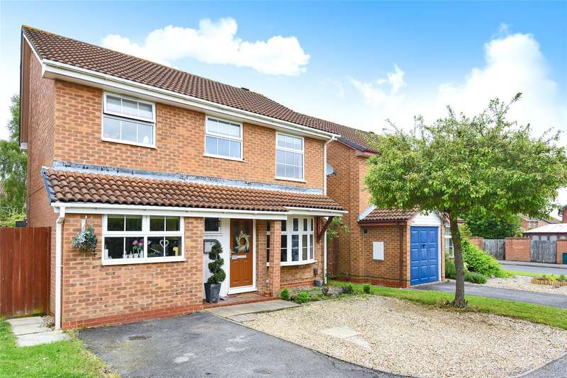 4 Bedrooms Detached House for sale in Norfolk Close, Wokingham, Berkshire, RG41