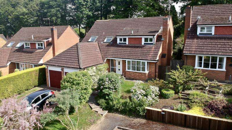 4 Bedrooms Detached House for sale in Little Kingshill HP16