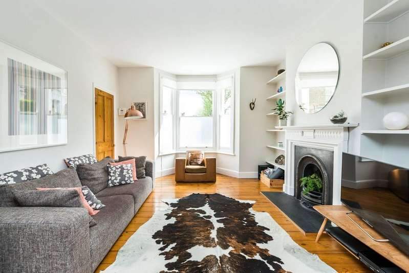 3 Bedrooms End Of Terrace House for sale in Hinton Road, Herne Hill