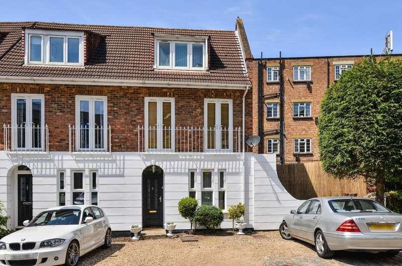 3 Bedrooms Town House for sale in Robinscroft Mews London SE10