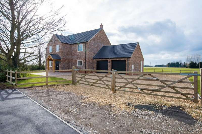 4 Bedrooms Detached House for sale in Cranesgate North, Whaplode St. Catherines, PE12