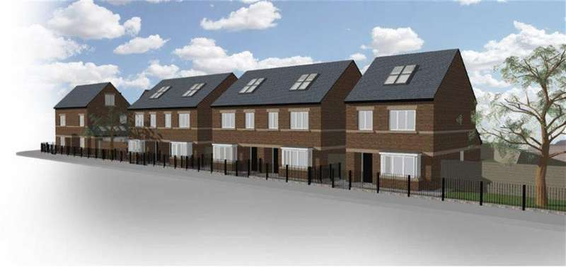 3 Bedrooms Semi Detached House for sale in Manchester Road, Leigh