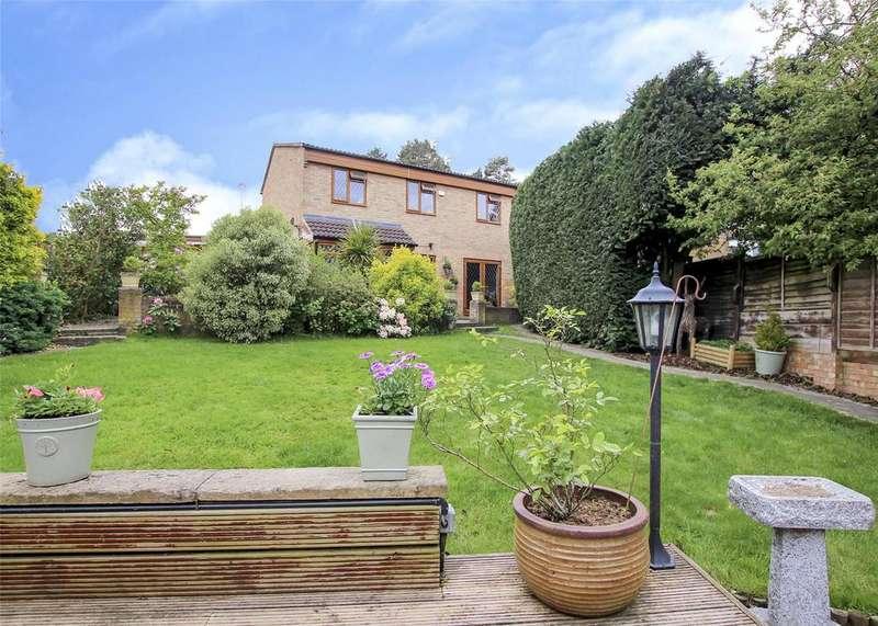 3 Bedrooms Semi Detached House for sale in Leaves Green, Bracknell, Berkshire, RG12
