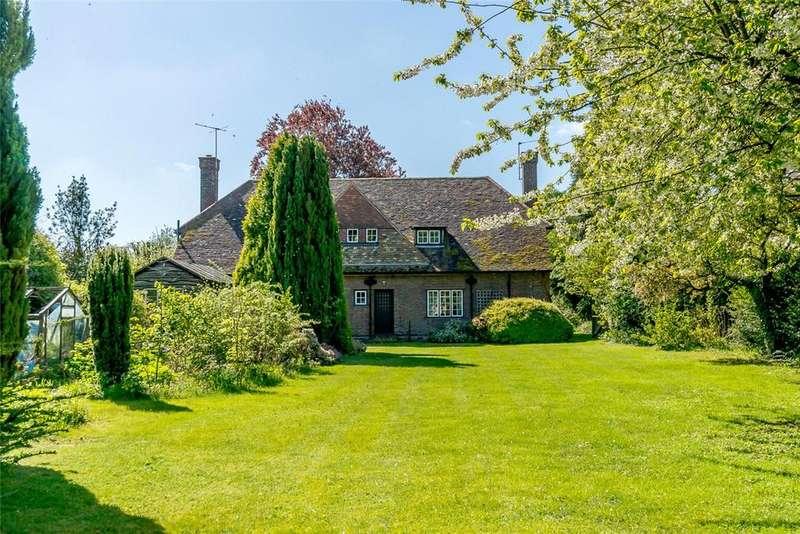 4 Bedrooms Detached House for sale in Baldock Road, Royston, Hertfordshire, SG8