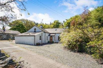 5 Bedrooms Detached House for sale in Bethel, Caernarfon, Gwynedd, Gwyndy, LL55