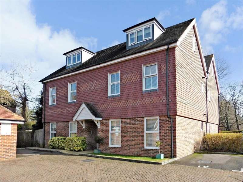 2 Bedrooms Apartment Flat for rent in Linfield Lane Ashington RH20