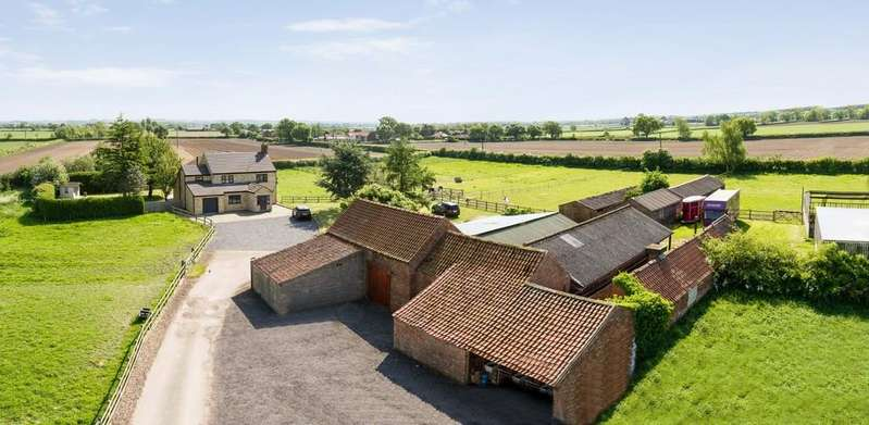 4 Bedrooms Equestrian Facility Character Property for sale in Manor Lane, Broadholme, Lincoln