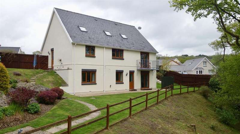 5 Bedrooms Detached House for sale in Uwchgwendraeth, Drefach, Llanelli