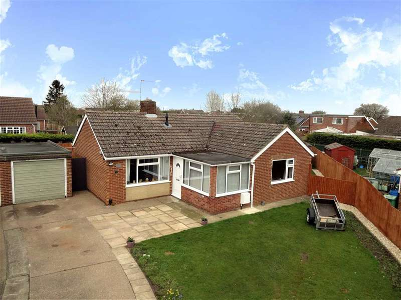 2 Bedrooms Bungalow for sale in St. Matthews Close, Cherry Willingham, Lincoln