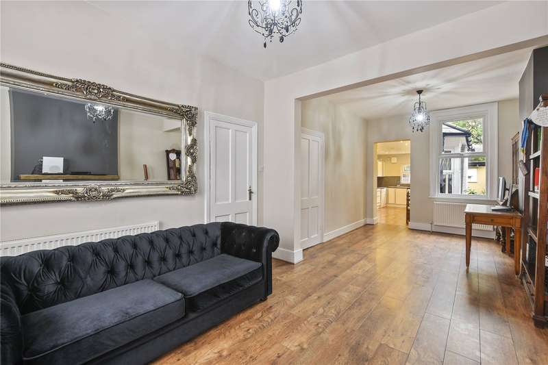 5 Bedrooms Terraced House for sale in Wortley Road, London, E6