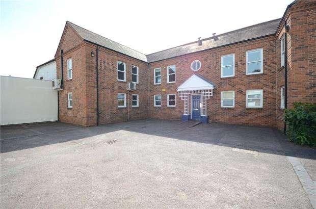 Office Commercial for rent in High Street, Burnham, Slough