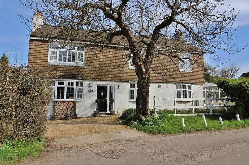 4 Bedrooms Cottage House for sale in Soake Road, Denmead