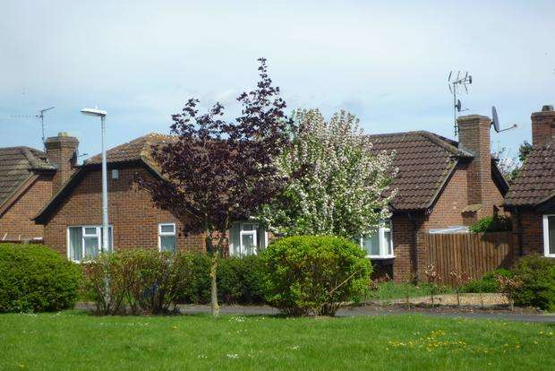 3 Bedrooms Bungalow for sale in Heronshaw Close, Chatteris, PE16