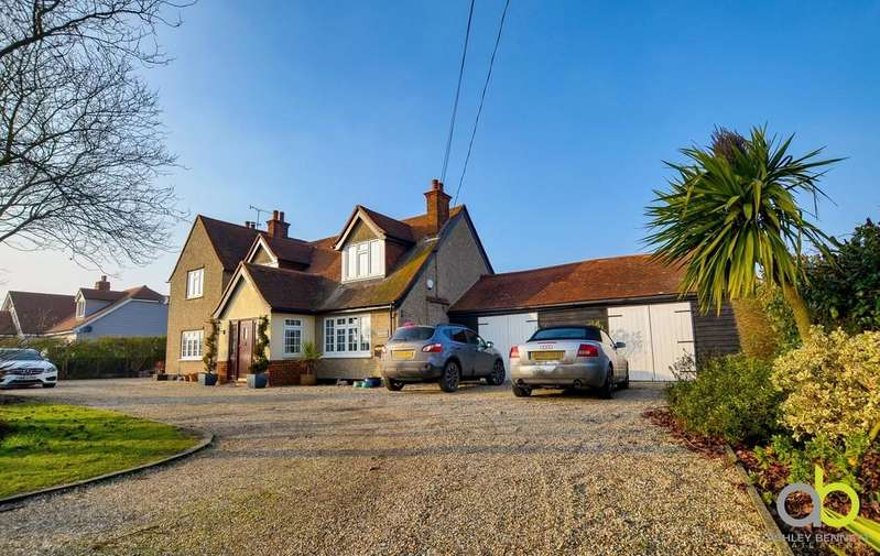 4 Bedrooms Detached House for sale in Bradwell-on-sea, Southminster
